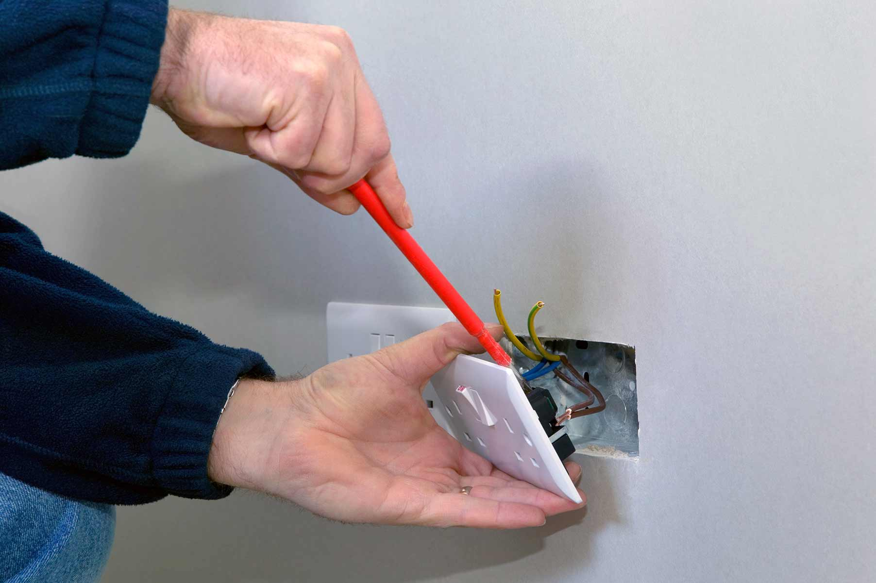 Our electricians can install plug sockets for domestic and commercial proeprties in Barking and the local area.
